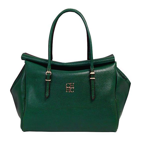 Сумки нейтрального зеленого цвета хорошо будут сочетаться с оттенками серого, даже с черным